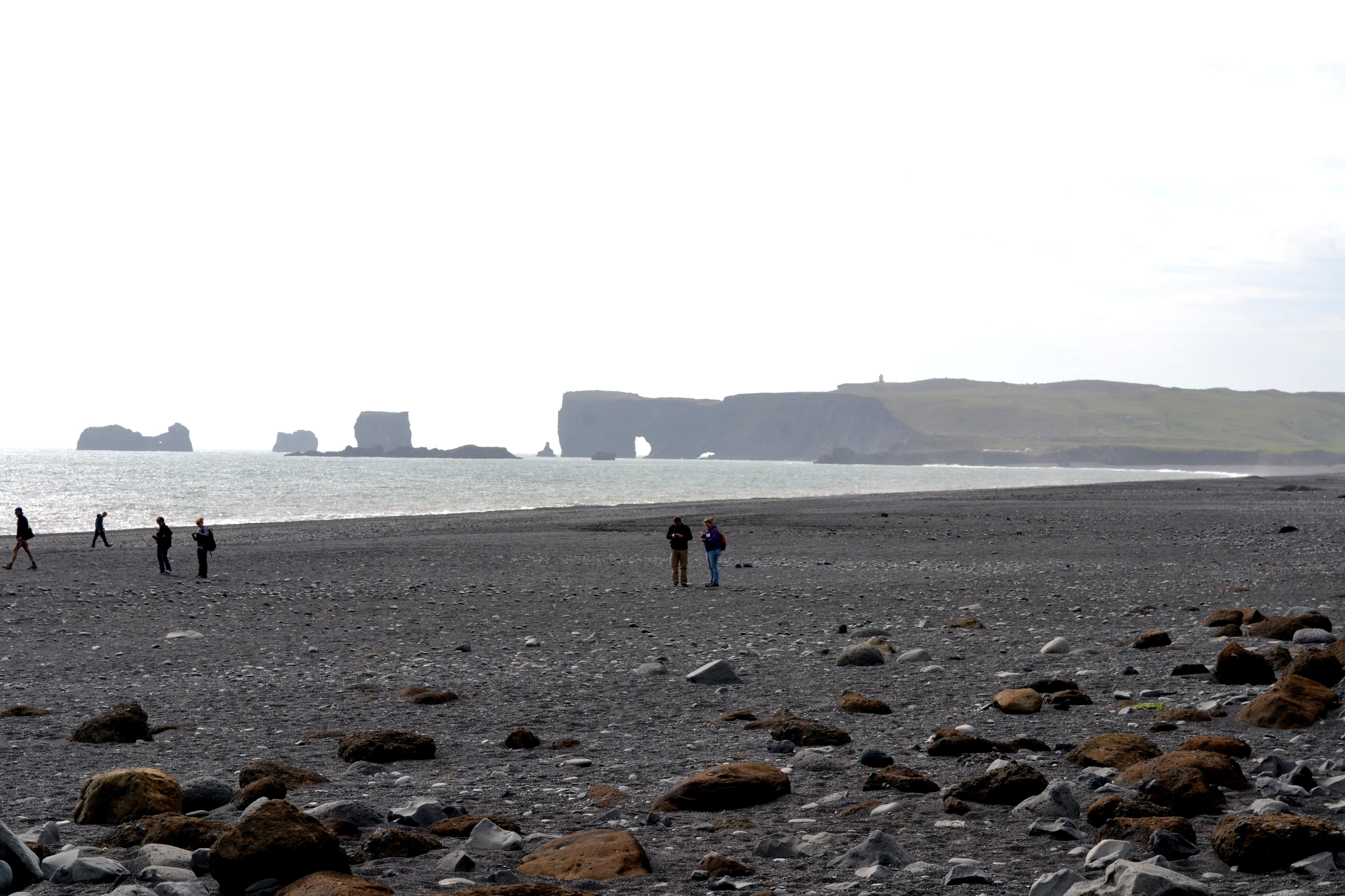 Island: Strand von Reynisfjara © Imke Haverbusch